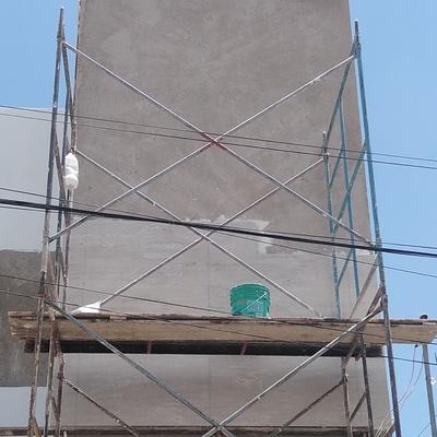 Colocación de granito en fachada
