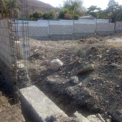 Construcción de una barda perimetral