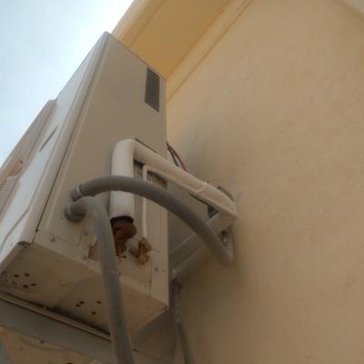 Instalación de equipos de aire acondicionado en casetas de Subestación de Planta Eólica Mesa Morenos