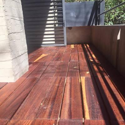Deck de Tzalam para balcón