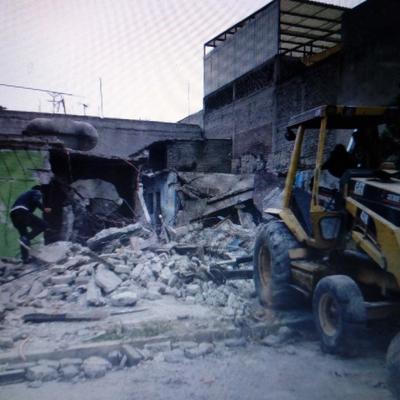 Demolición y construcción casa de 2 pisos