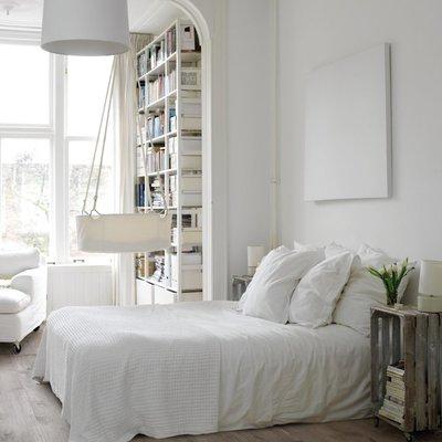 cuarto blanco sin puertas