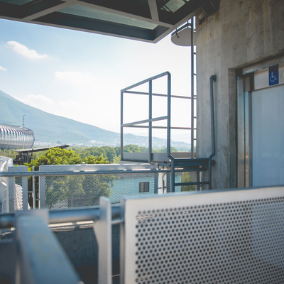 Elevador de Pasajeros en Acceso Exterior al Estadio BBVA