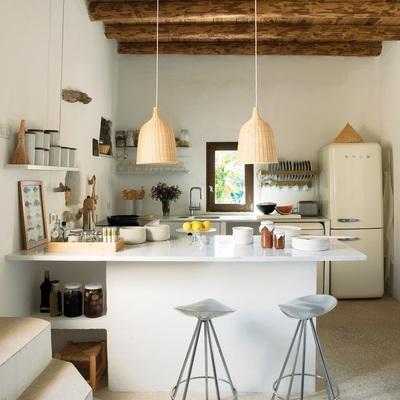 Mima tu cocina con baldas y estantes al aire