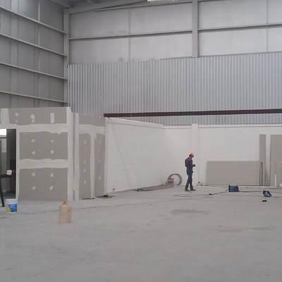 Servicenter  León 150 m2