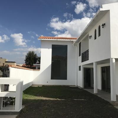 Construcción de Casa  Estilo Modernista