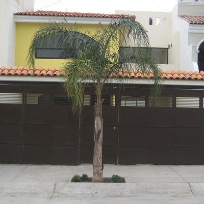 CASA RESIDENCIAL EN RINCONADA DE LOS NOVELISTAS