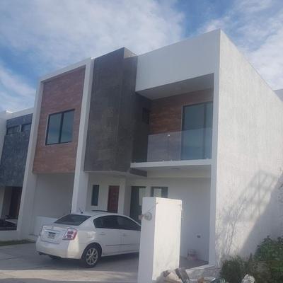 Construccion de Casa en Zibata, Queretaro.