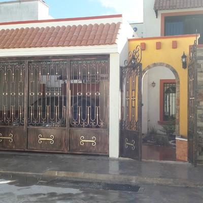 CONSTRUCCION DE COCHERA