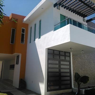 El minimalismo de una casa habitación en Cuautla