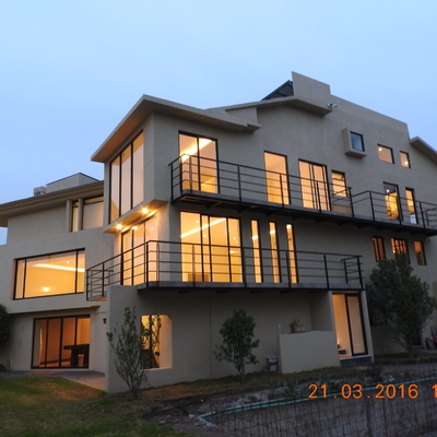 Residencia en Circuito Arquitectos, Satélite.