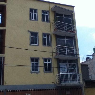 Cambio de color en fachada de edificio.