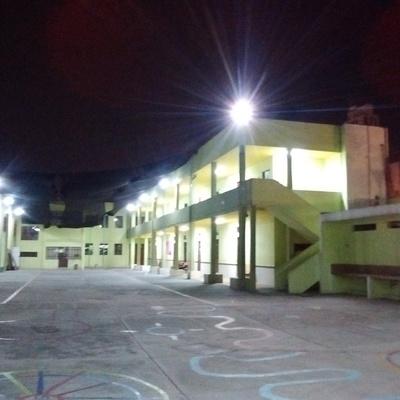 Sustitución de luminarias y cableado eléctrico para obtener el Dictamen Técnico de Instalaciones Eléctricas para escuela.