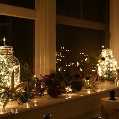Iluminación navideña en ventanas