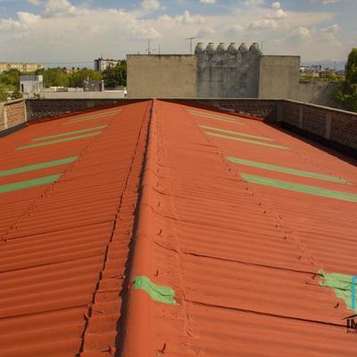 Impermeabilizante acrílico en laminas de asbesto.