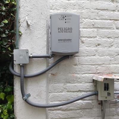 Instalación de cerca eléctrica