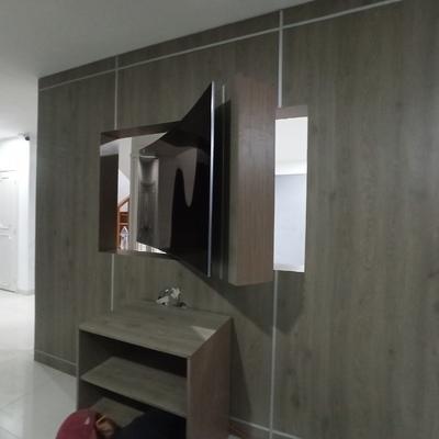 Muro divisorio con base pantalla 65 pul. giratoria