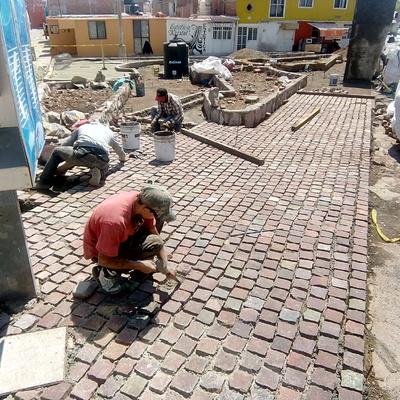 CONSTRUCCION DE JARDIN VINATEROS EN AV MEXICO, COL. TRES CRUCES