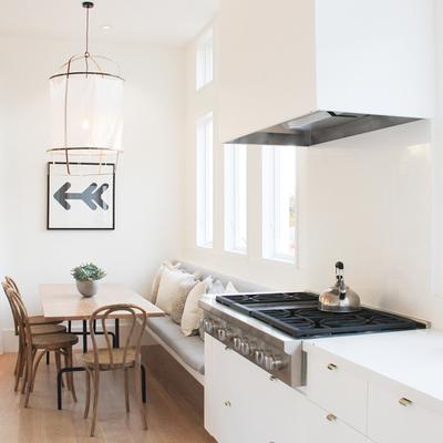 cocina con piso laminado