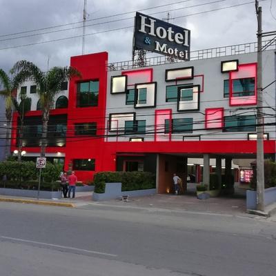 REMODELACIÓN FACHADA HOTEL LAS FUENTES IXTAPALUCA