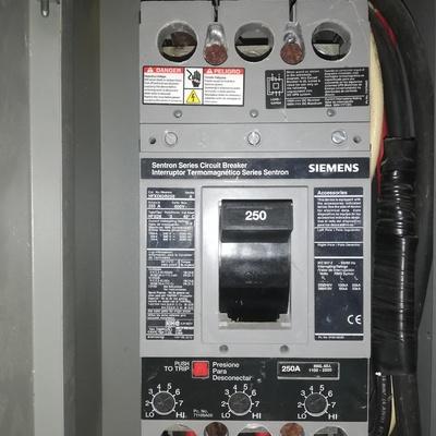 Mantenimiento a instalaciones eléctricas