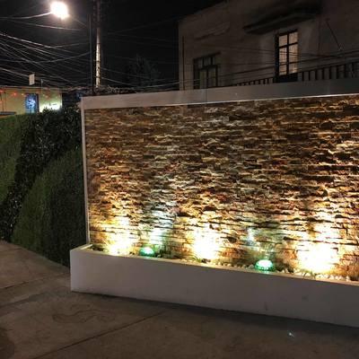 Muro cascada y muro verde