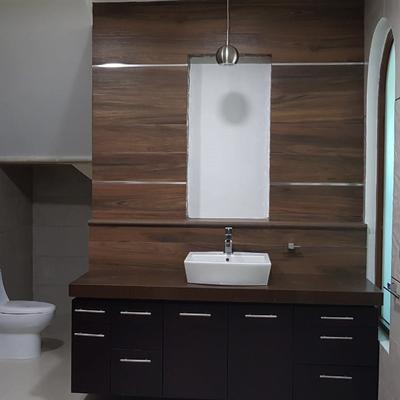 Remodelación de baño principal en casa habitación