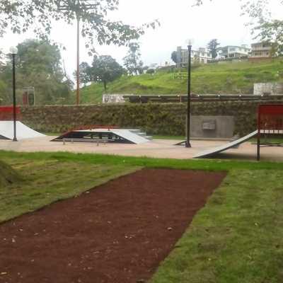 Parque con pista de Patinetas