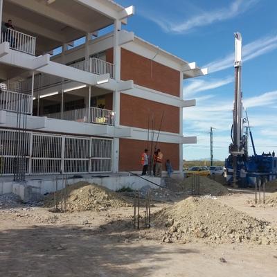 CONSTRUCCION DE AULAS EN ESCUELAS PUBLICAS