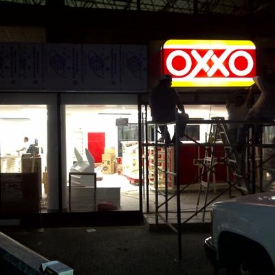 Construcción de tiendas OXXO