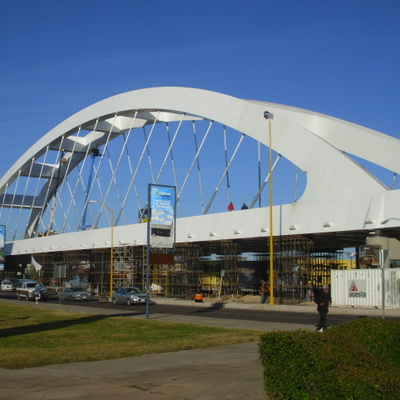 Colocación de sistema de tensión del Puente Bicentenario