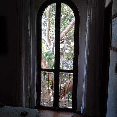 Puerta balcón de madera