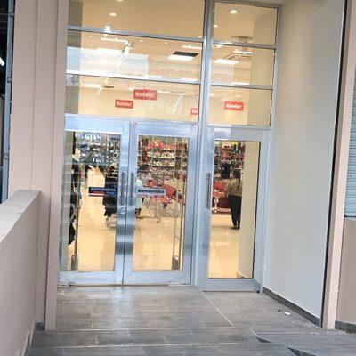 Remodelación y ampliación de tienda departamental.