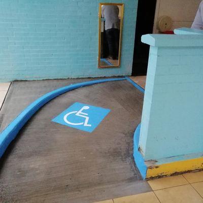 Construcción de rampas y pintura en Jardín de niños