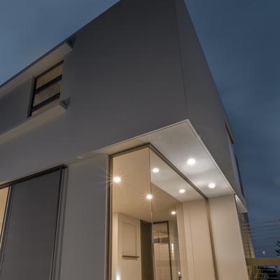 Residencia de dos pisos en Fraccionamiento Solares