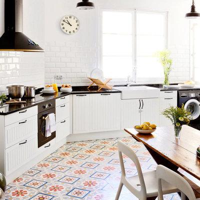 Cocina con piso de PVC