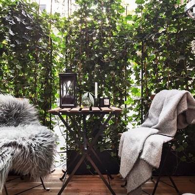 terraza romántica con cobijas