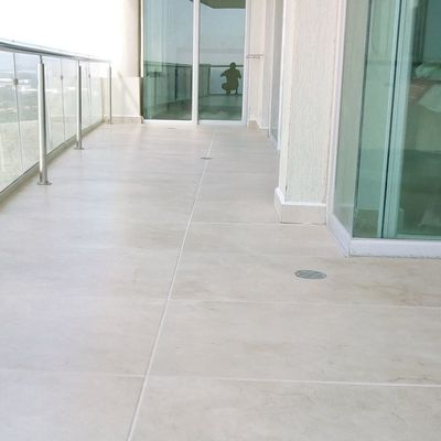 remodelacion de piso porcelanato condominio costa bamboo