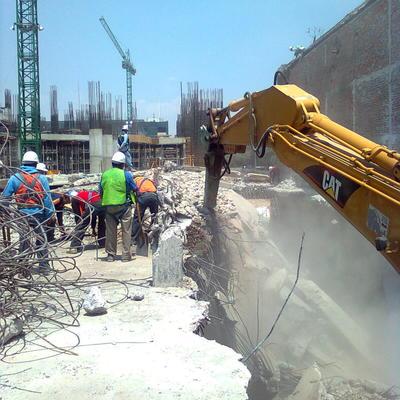 DEEX Demoliciones y Excavaciones ofrece servicios en demoliciónes, excavaciones y desmantelamientos.