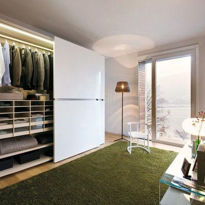 vestidor con tapete de pasto sintético