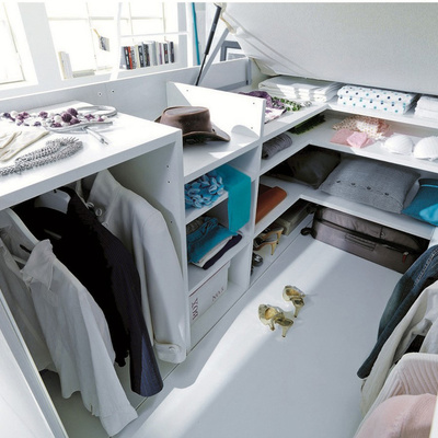 Vestidor bajo cama