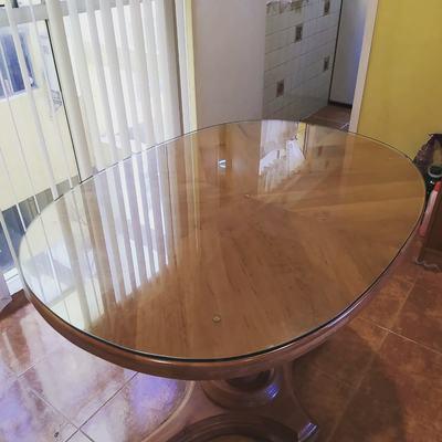 Vidrio templado ovalado para mesa.