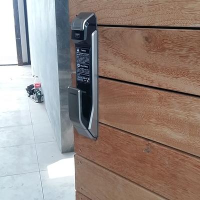Control de acceso con cerradura digital SAMSUNG