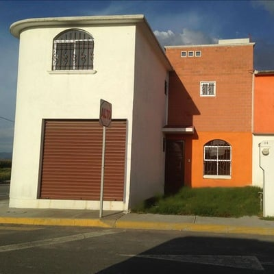 Vivienda Unifamiliar con Local Comercial