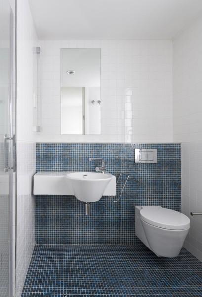 Foto ba o revestido con azulejos azules 285874 habitissimo - Banos con azulejos azules ...