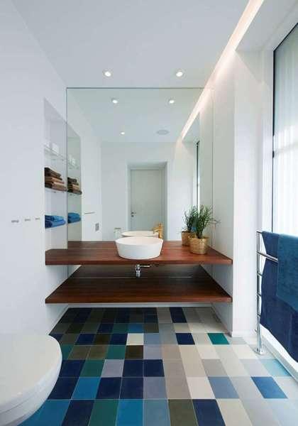 Foto ba o con piso de azulejos azules 208595 habitissimo - Banos con azulejos azules ...