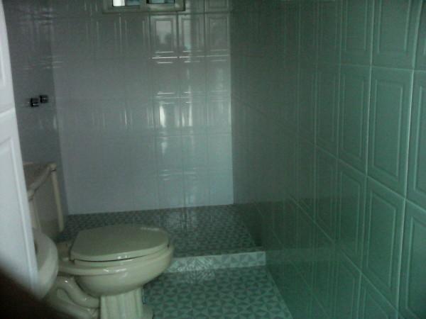 Foto: Baño de Azulejo Terminado de Albañil Moisés S Reyes ...