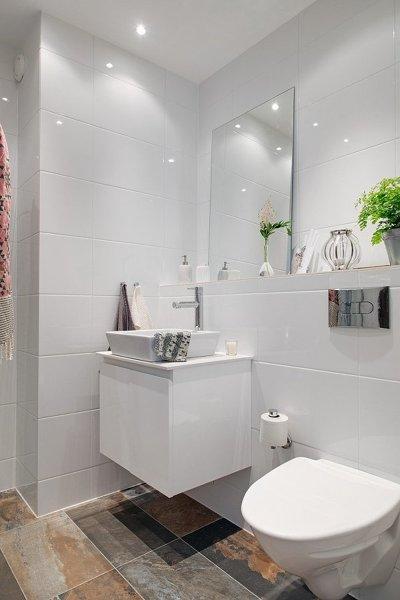 Decoracion Baño Sencillo:Foto: Bano-sencillo-en-blanco-y-contraste-en-suelo #187330