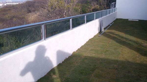 Foto Barandal Terraza De Vidrio Y Aluminio Jerico 128627