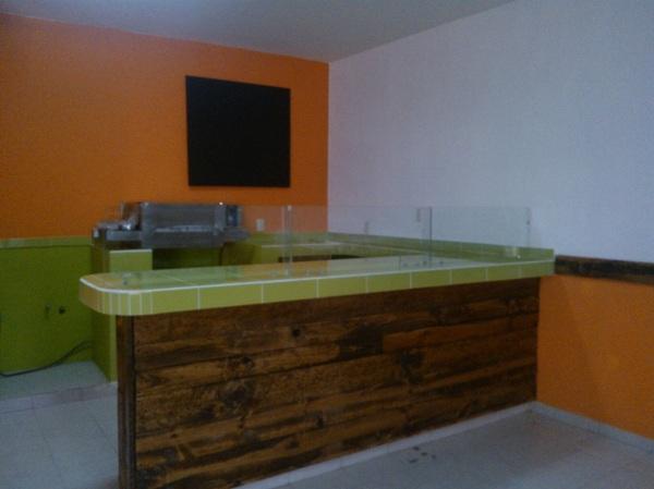Foto barra forrada de azulejo de cocoa detalles dise o y - Loseta para cocina ...